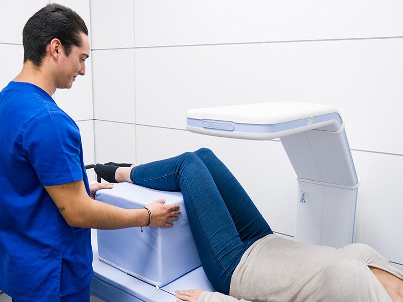 ¿Sabes qué es una densitometría ósea? Descúbrelo todo sobre esta prueba de diagnóstico