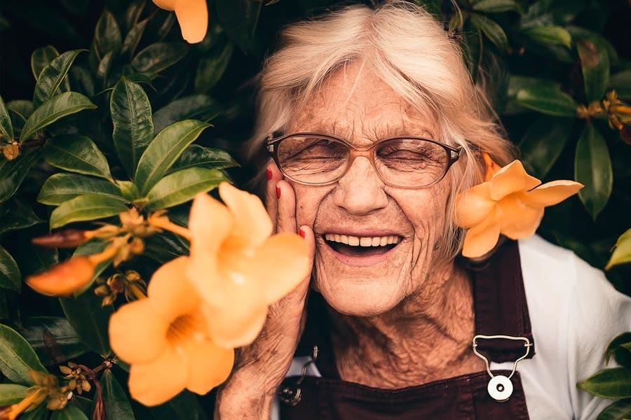 Consejos para evitar el dolor en articulaciones y huesos tras la menopausia